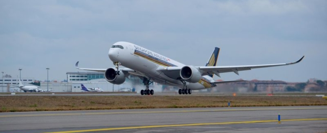 A350-900_Singapore_Airlines_first_flight_3