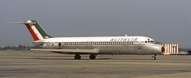 Douglas_DC-9_I-DIBN_Alitalia