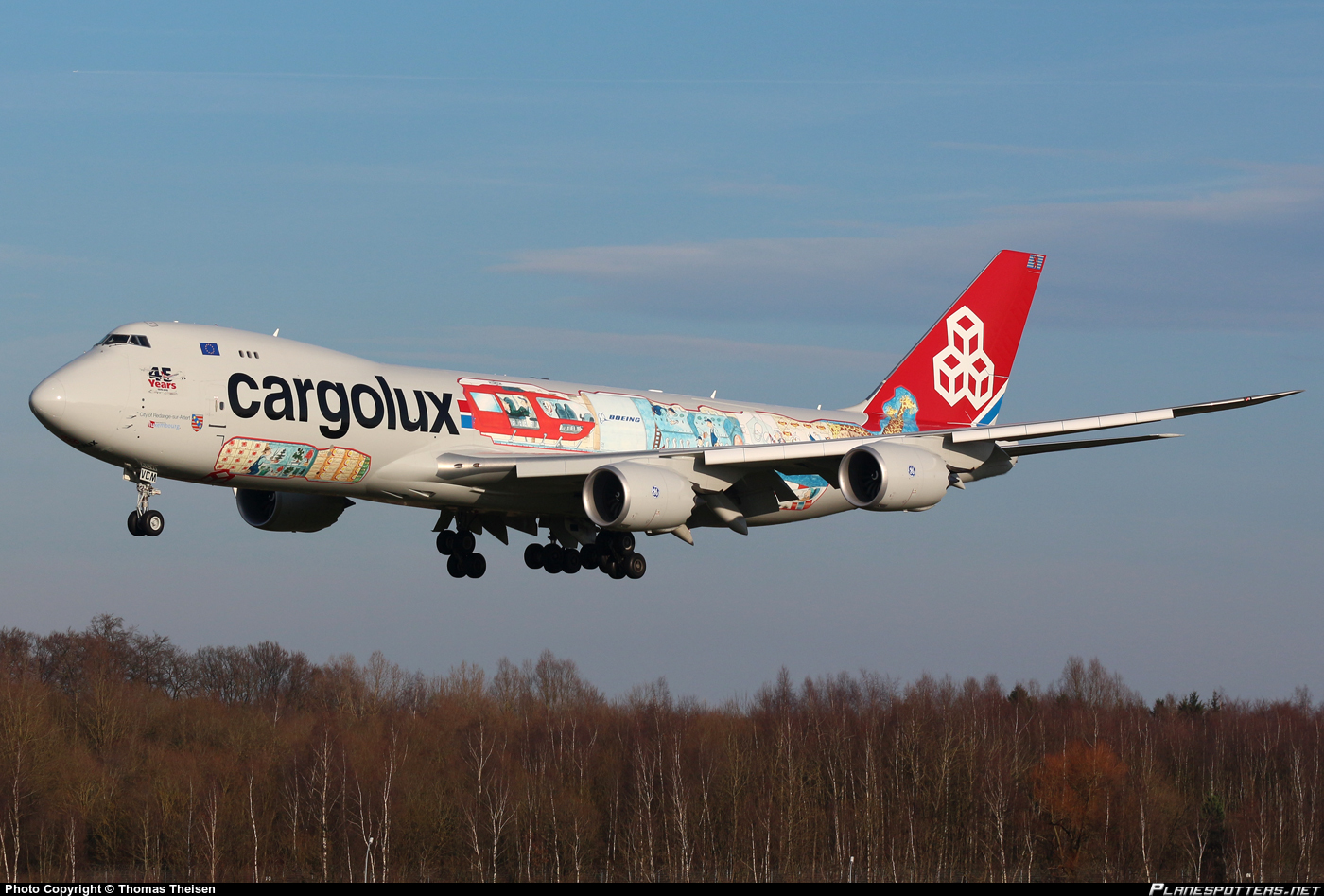 lx-vcm-cargolux-airlines-international-boeing-747-8r7f_PlanespottersNet_672759
