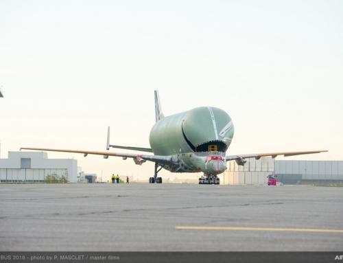 Roll-out del primo aereo da trasporto BelugaXL di Airbus